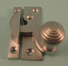 THD113/SCP Clo Fastener - Reeded Knob - Non Locking in Satin Chrome